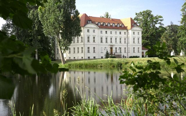 Impro-Hotel Schloss Wedendorf